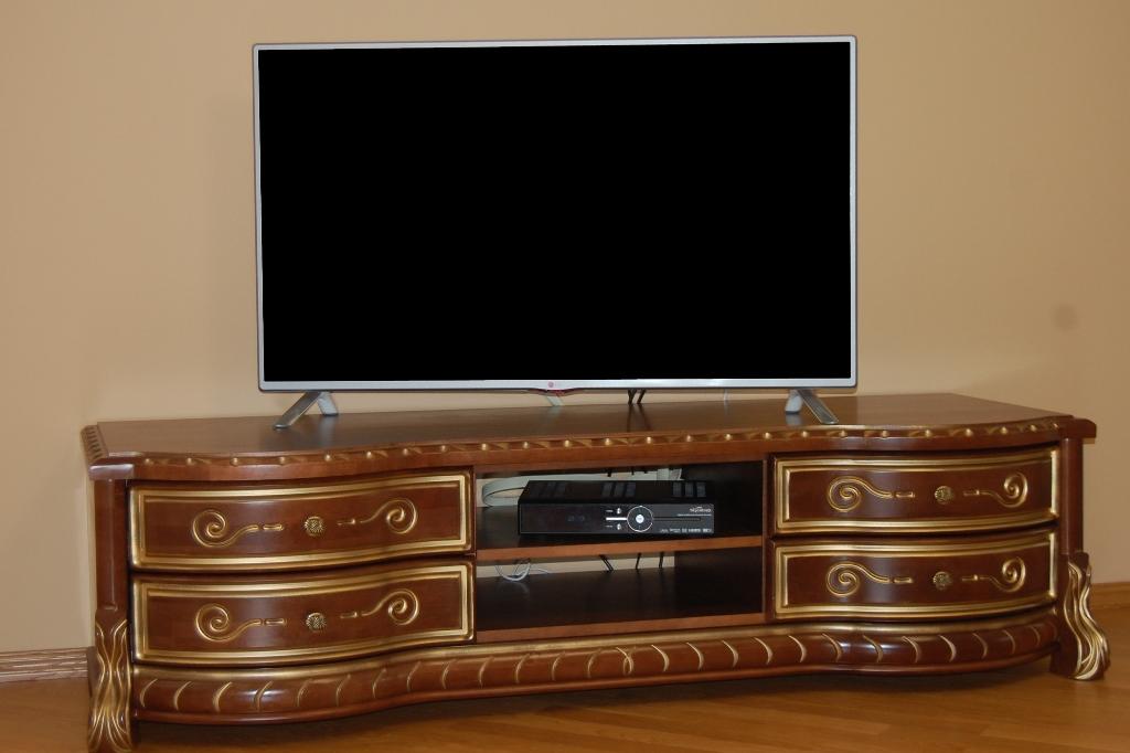 Телевізійна тумба Саламандра